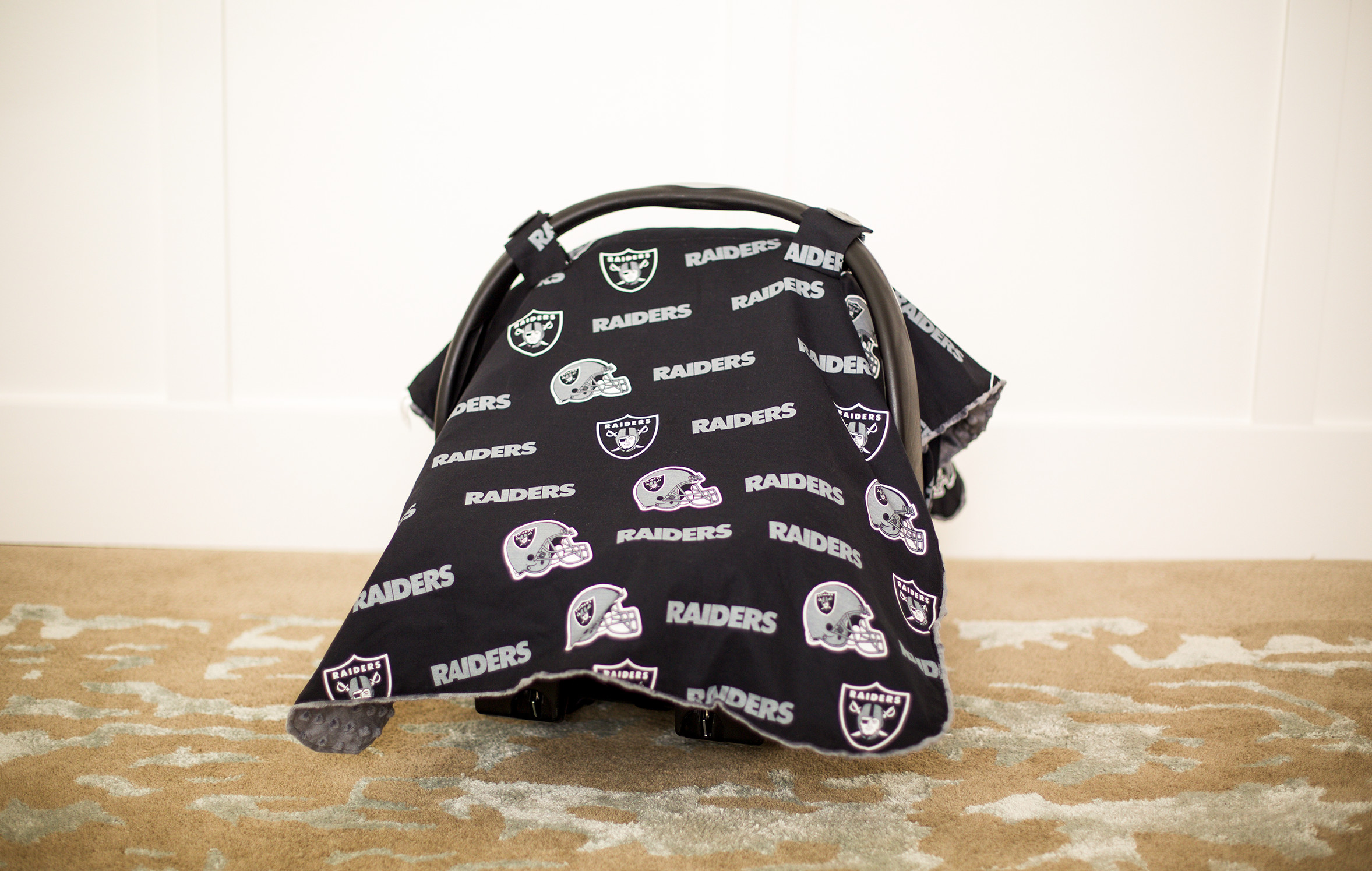 Canopy Couture Oakland Raiders